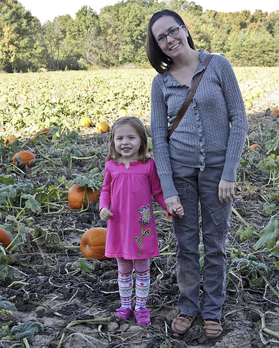 Mommy and A at the pumpkin patch