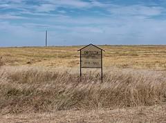 SKSW10j24 Orillia SD School Location Sign, Saskatchewan 2010 (CanadaGood) Tags: riverside prairie school sign 2010 brown blue colour color agriculture farm building sk saskatchewan canadagood canada thisdecade text