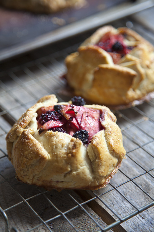 :: Rustic Apple and Blackberry Galettes