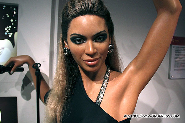 Beyonce showing off her perfectly hairless armpit