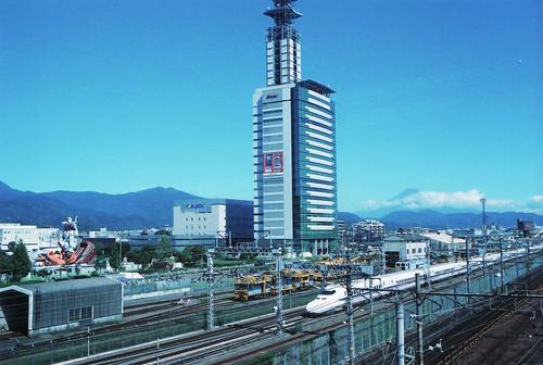 富士山と新幹線とガンダム