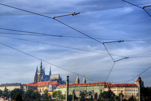 Cables and sky. Prague. Cables y cielo. Praga
