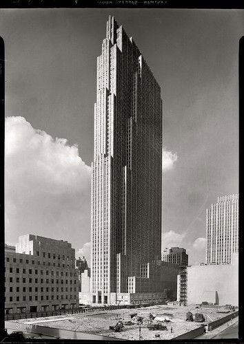 1933 ...  ... Rockefeller Center NYC / James Vaughan