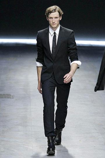 Bastiaan Ninaber3090_SS10_Milan_Costume National(nymag)