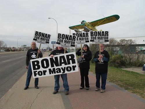 Daryl Bonar campaigners