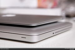 "MacBook Air 11"" 2010 Unboxing (alienx) Tags: apple canon notebook eos book mac laptop air 11 5d ef2470mmf28lusm aluminium 2010 unboxing auspacken auspackzeremonie macbook"