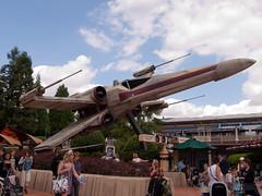 DisneylandResortParis-Juli2010_146 (Maliboy) Tags: frankreich ledefrance xwing fra disneylandparis startours chessy