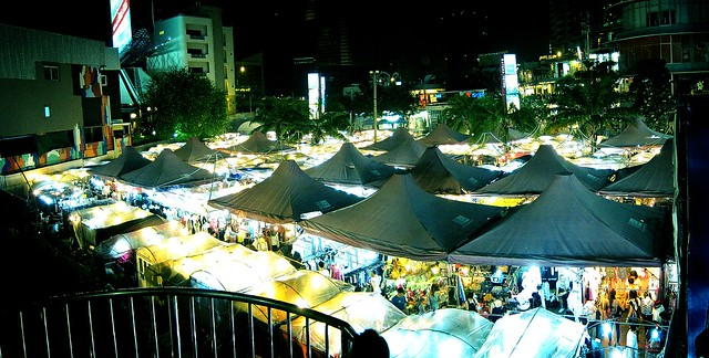 Ratchayothin night market