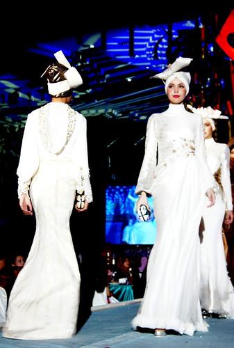 Islamic fashion festival 2010 - Jovan Mandagie (6)