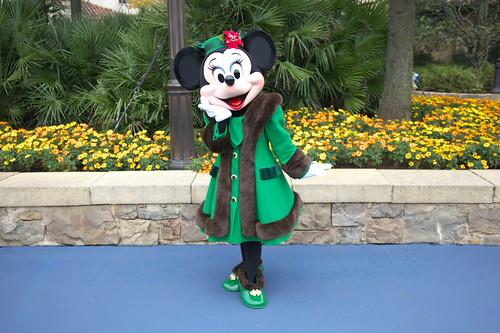 クリスマス衣装のミニーちゃん