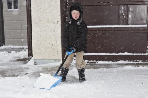 E&D shoveling2_11-16-10