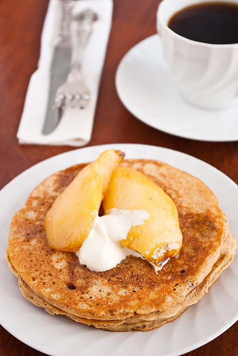 gingerbread pancakes with maple pears
