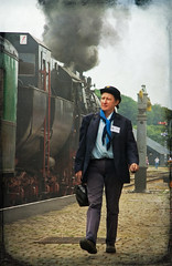 Train conductor (fatboyke (Luc)) Tags: railroad girl beauty museum vintage belgium engine eisenbahn retro steam locomotive 1942 trein steamtrain dampflok lokomotive stoom nmbs borsig deutschereichsbahn dampfzug sncb trainvapeur br52 baureihe52 21juli 52467 mariembourg lokomotief treignes dampfloks stoomloc kriegsloks cfv3v rawstendal 52820009 trainvapeurdes3valles