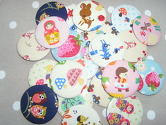 Mix (Lilies and Daisies) Tags: magnets badges compactmirrors
