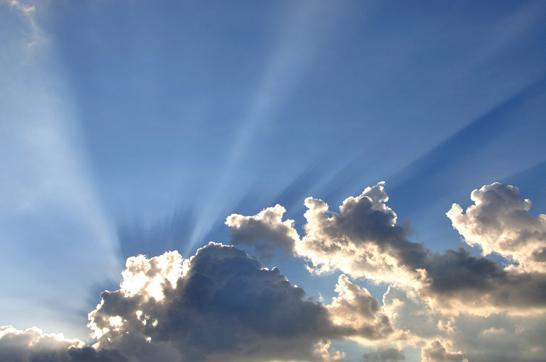 web_sunsetearl_cloudtops_0200_2883
