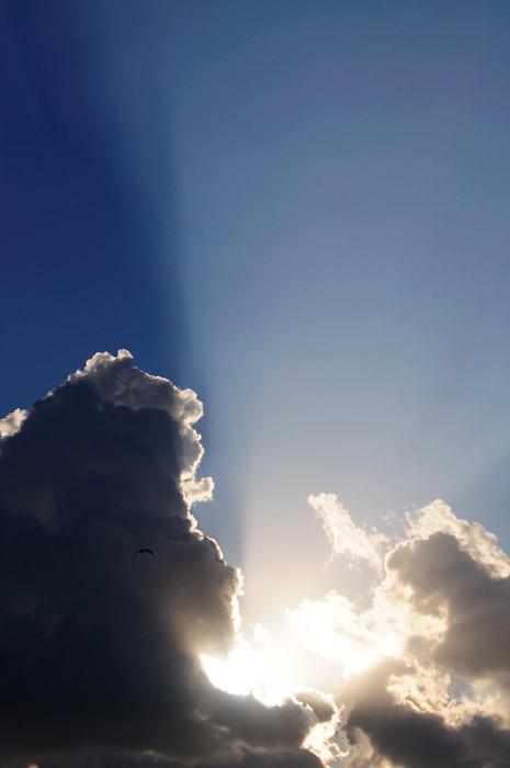 web_sunsetearl_verticalcloud_0217_2886