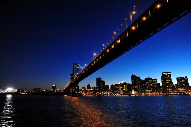 San Francisco Oakland Bay Bridge 黄昏时分的海湾大桥