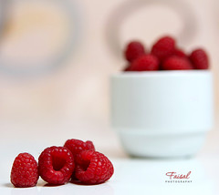 Berry (Faisal | Photography) Tags: life red canon eos still berry l usm f28 ef redberries 2470mm canonef2470mmf28l 50d canoneos50d faisalali فيصلالعلي