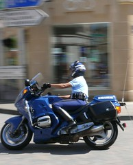 Motard d'escorte à Vouziers 09.2010 (ardoise08) Tags: vouziers ardennes motard gendarmerie argonne moto motocycliste