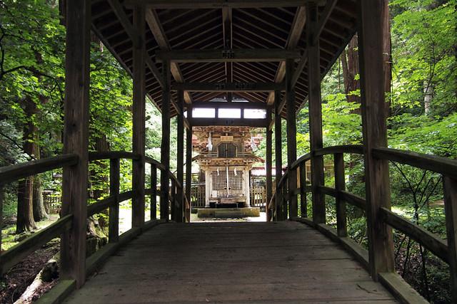 100627_104433_塩野神社