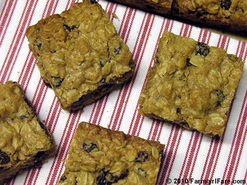 Whole Grain Oatmeal Raisin Cookie Bars 3