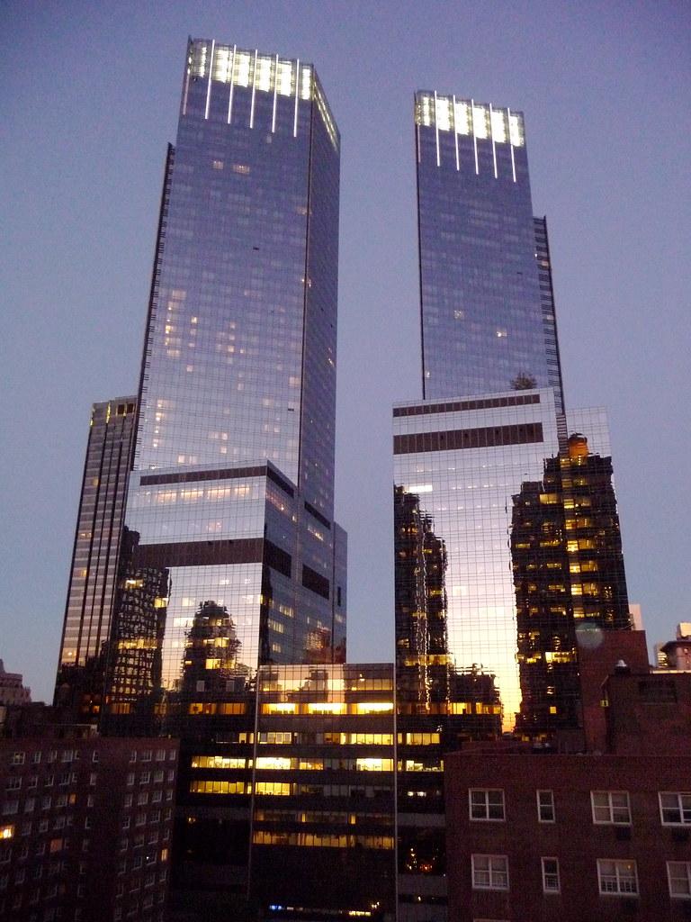 New York Time Warner Center 750 Ft 229 M X2 55