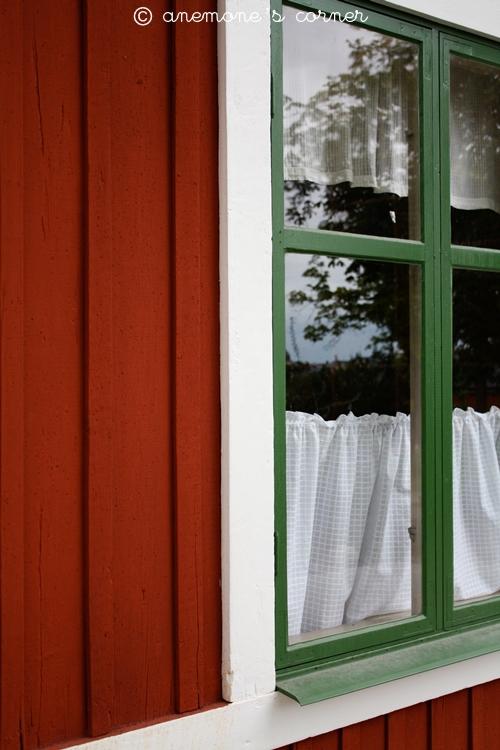 Stoccolma: legno e finestre..