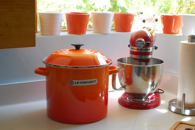 flame le creuset stockpot  12 qt    flickr   photo sharing