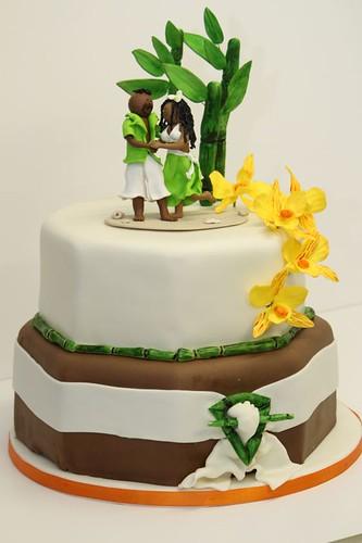 Hochzeitstorte 8-eckig mit Glücksbambus u. Orchideen