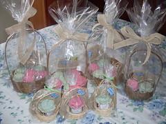 Convite ou Lembrancinha (Naiara Saldanha) Tags: fazendinha centro de mesa carriola biscuit mdf juta cestinha pote doce potinho papinha lembrancinha convite