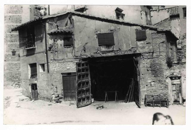 Plaza de Santa Isabel hacia 1970. Colección Luis Alba. Ayuntamiento de Toledo