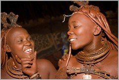 2010_08_21-06022-r-Kaokovelt-Sesfontein-Gli Himba (alessandro.ravizza) Tags: africa people african culture tribal safari afrika tribe ethnic namibia tribo himba afrique ethnology tribu namibie tribus ethnie