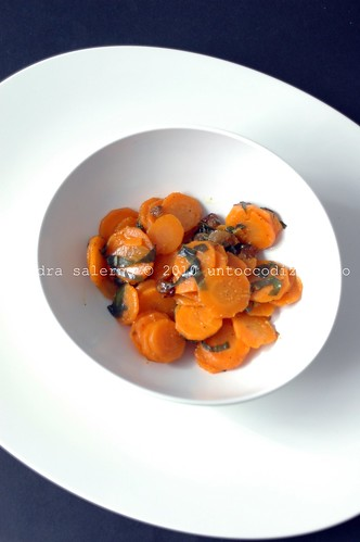 Mebel in cucina: carote e uvetta