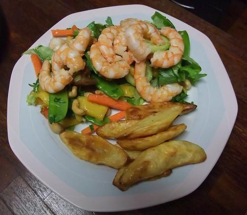 Prawn, mango & cashew salad