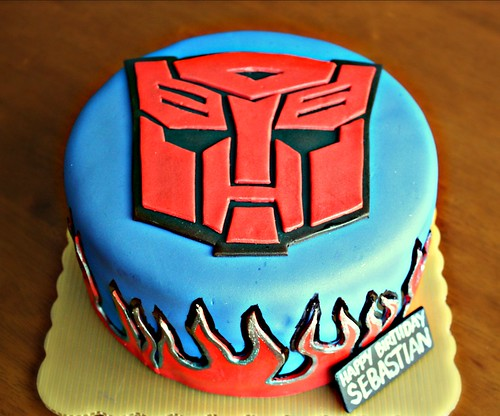 Art of Dessert Tutorial Transformers Autobot Cake