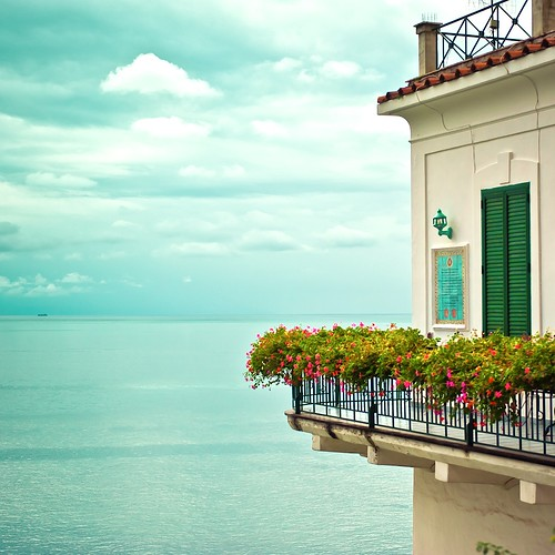 Cuba Gallery: Italy / Amalfi Coast / summer / ocean / house / water / sea / sky / clouds / horizon / flowers / photography