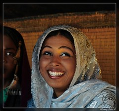 Smiling Tuareq Girl (Sammy Naas) Tags: girls cute girl beautiful smile festival nice funny laugh libya ghadames    libian tuareq ghadamis  teniri  tuwareq