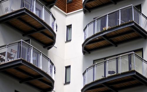 Balconies, Pont y Werin