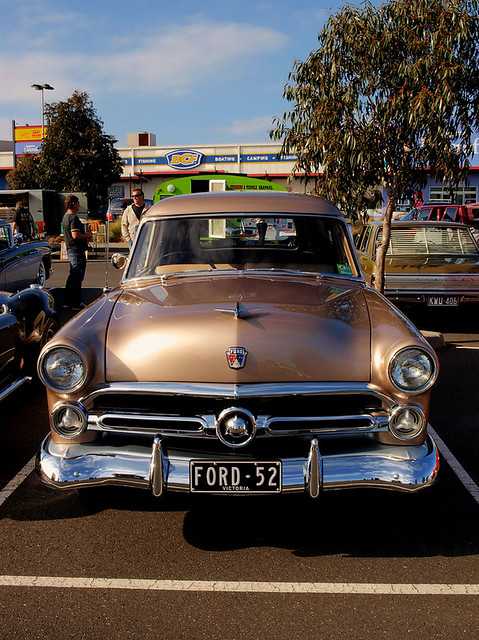 classics v8 hotrods customs 1952 letsgocruising october2010 chromebumperclassics peninsulacruisenight 1952fordcourier