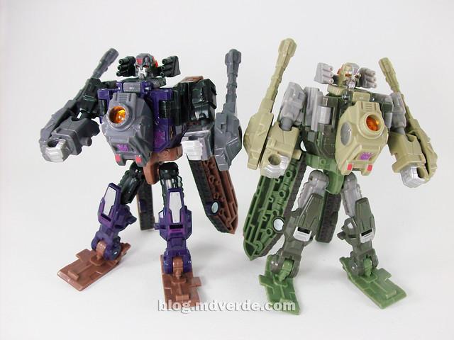 Transformers Blast Off Universe Scout - modo robot vs Brawl