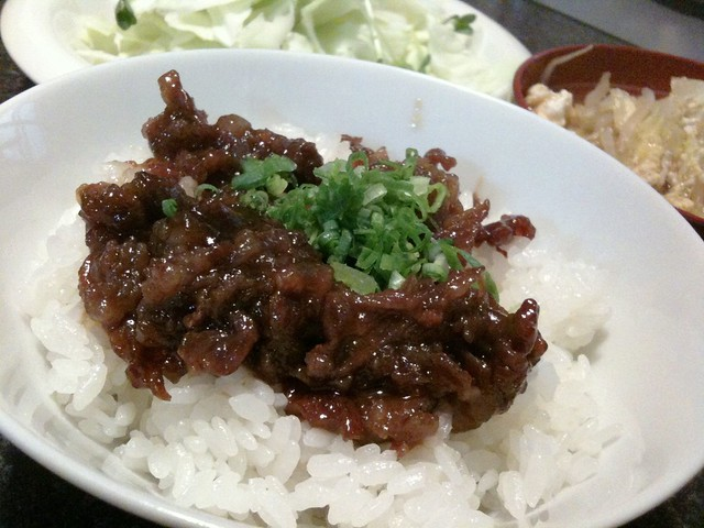 #jisui 牛丼のつもりが牛時雨煮丼的に!でもうまいわ、これ!