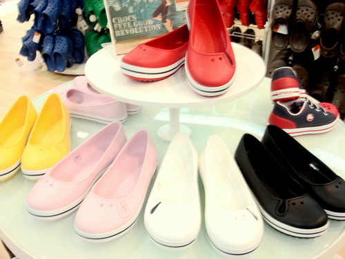 Crocs store - mid valley (2)