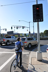 Bike signal at Broadway Williams-6
