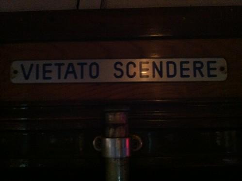 Vietato Scendere