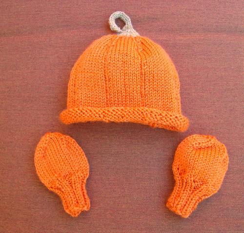 Pumpkin Hat & Mitts