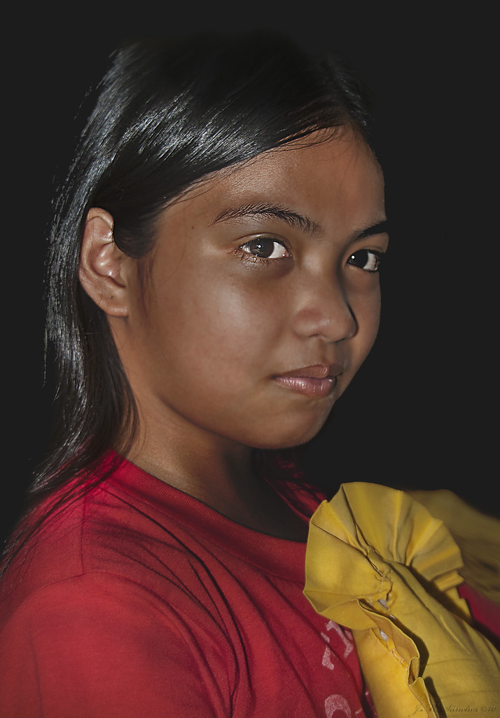 Jóven filipina en Tala  / Tala's Philippine teen.