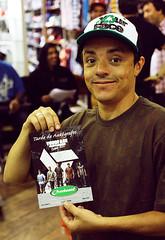 Tarde de autgrafos  Your Face - Overboard (YourFaceSkateboard) Tags: skate skateboard campinas overboard yourface rato autgrafos marcelomug diegokorn rodrigomaizena leandrosaguo paulinhobarata