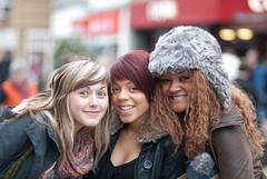 Free Smiles In Bedford (▓▒░♠ ★Rob H ♠░▒▓) Tags: street girls bedford candid smiles bollocks furryhat russianhat sealclubbing 85mmf18 nikond80 backfocusingproblems lushbabes