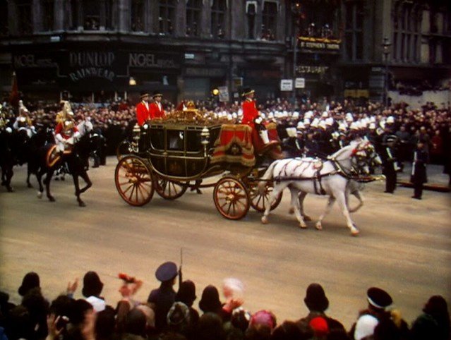 royalwedding_parade1