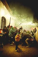 Correfoc! (Ibai Acevedo) Tags: luz night de noche folk devils festa chinas correfoc diversin llum catala foc diables dimonis espurnes diversi tei piiiiii